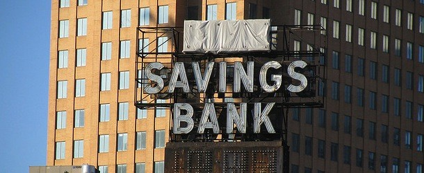 Gap Between 30-Year Fixed and Savings Rates Largest in Over Two Years